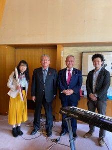 岡山市議会 議長室でコンサートを行いました